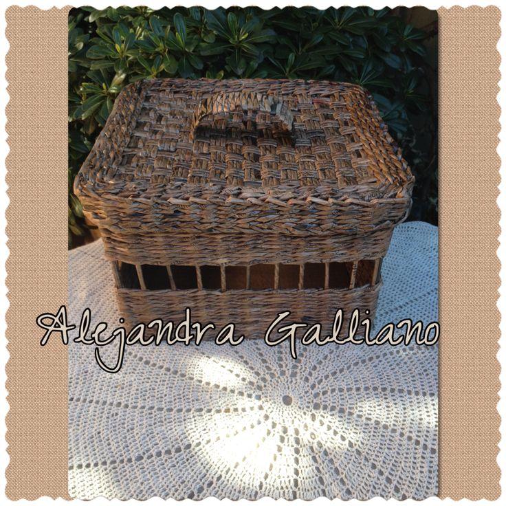 Caja con tapa tejida