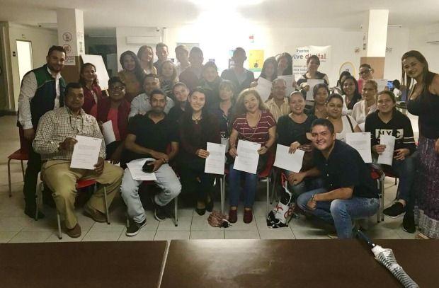 Comerciantes, estudiantes, operadores turísticos y comunidad en general recibieron capacitación en el manejo básico del idioma inglés con nivel A1.