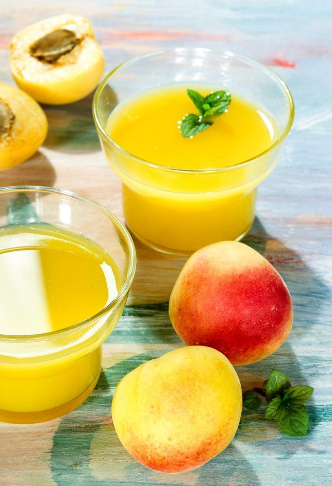 Refrescante jugo de albaricoque y almíbar de jengibre
