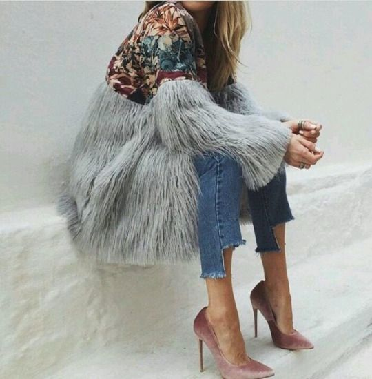 Tapestry with long faux fur