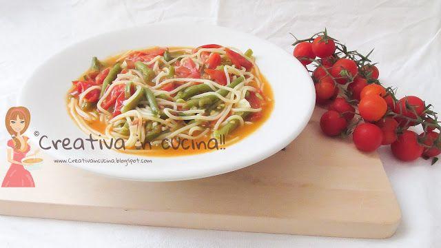 Spaghetti e fagiolini, ricetta semplice, leggera e molto gustosa, per la ricetta >>http://creativaincucina.blogspot.it/2015/10/spaghetti-e-fagiolini.html Noodles and green beans recipe simple, light and very tasty, for the recipe >> http://creativaincucina.blogspot.it/2015/10/spaghetti-e-fagiolini.html