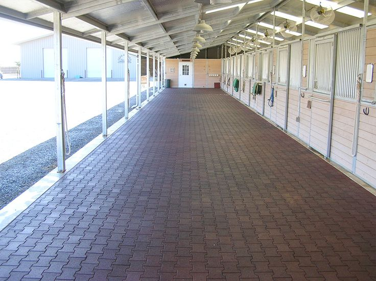 Rubber Pavers For Barns A Safer Barn Aisle Horse Barns
