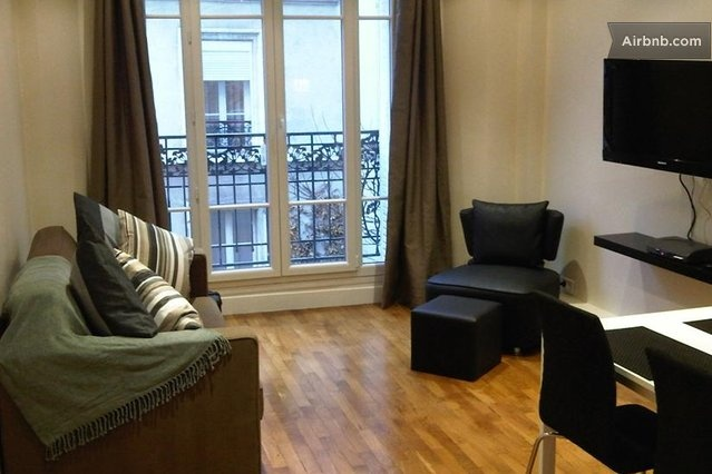 Modern Comfort in Montmartre - 2bdm in Paris. Love the look of this one. Near eateries and bakeries. Good reviews.