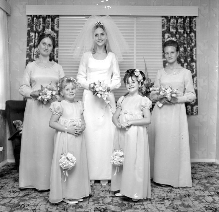 Vintage Wedding Dresses Under 1000: 1000+ Images About Cool Vintage Wedding Gowns On Pinterest