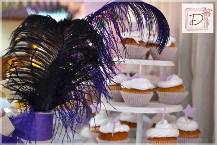 mesa real con cup cakes / royal table #fiesta #golosinas #cocina #chocolates #cumpleaños #mesadulce #festejo #souvenirs