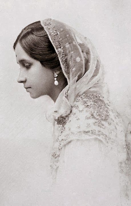 Maharani Shrimant Chandravati Bai Sahib Holkar, First Wife of Maharaja of Indore Tukojirao Holkar III - Old Indian Photos
