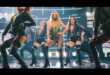 Britney Spears Brings A Little Bit Of Las Vegas To The Apple Music Festival 10 Stage | MTV UK