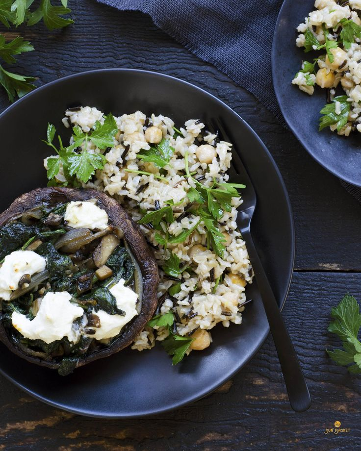 Spinach-stuffed portobellos with wild rice and chickpeas #glutenfree #vegetarian