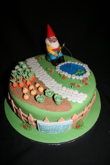 i wouldn't object to someone making me a gnome cake :)