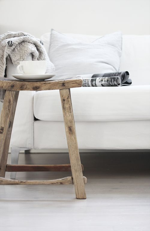 Zo kan het Leen Bakker krukje ook als bijzettafeltje dienen, ideaal. Voor in mijn favoriete woonkamer: Interior, Decor Ideas, Style, Wood, Design Ideas, Decorating Ideas, Livingroom, Living Room, House