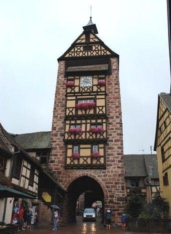 Le Dolder, en haut de la rue principale de Riquewihr