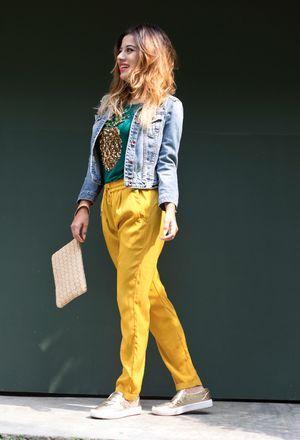 Look by @goodselfiemx with #bershka #sneakers #casual #zara #hm #denim #pants #sfera #autumn #tenis #gold #jackets #sequins #mustard #tshirts #pineapple #clutches #trends #denimjackets #selmoon.