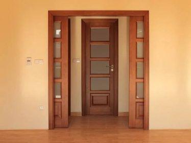 Posuvné, šoupací dveře