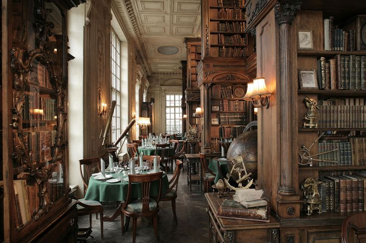 Cafe Pushkin in Moscow - a cafe in a library … or a library in a cafe? Whatever it is, I want to be there !!!