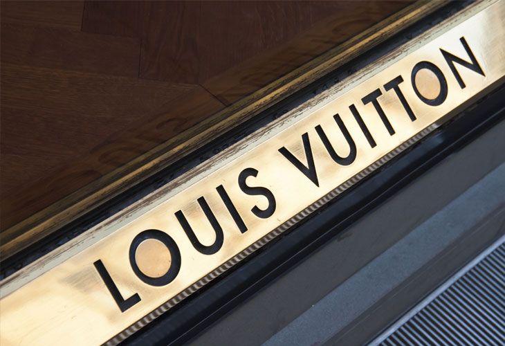 ΜΟΝΟ €269 για ένα ζευγάρι γυαλιών ηλίου Louis Vuitton Ava!