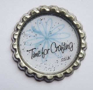 Crafting with flattened bottle caps  http://blog.cardmakingparadise.com/2010/02/flatten-bottle-caps-in-your-cuttlebug.html