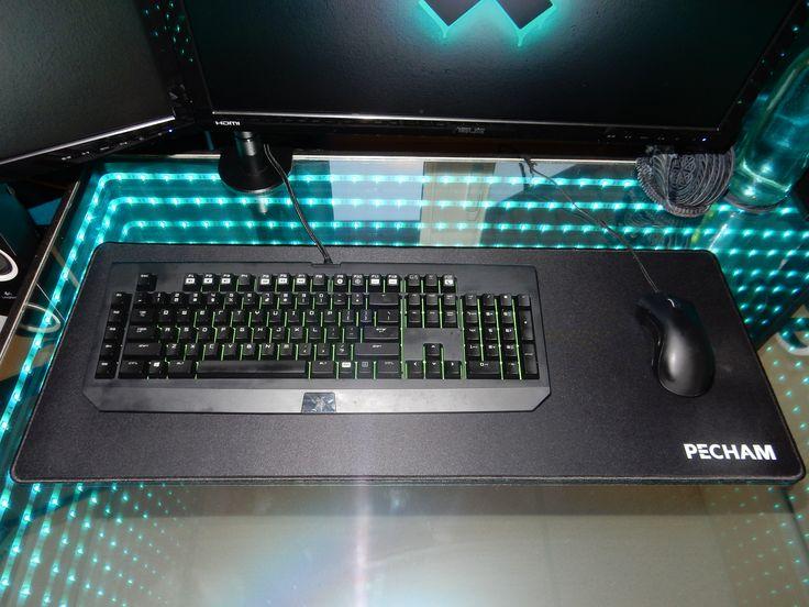Keyboard : Razer BlackWidow Ultimate Stealth  Mouse : Razer Deathadder  Mousepad : Pecham Extended Mousepad