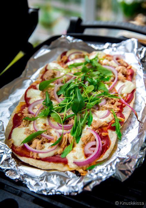 Tonnikalapitsa grillissä #resepti #pitsa #pizza #tonnikala #suolainen #ruoka