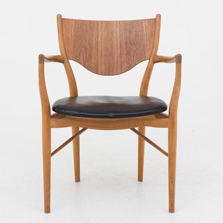 BO 72 - Armchair in oak