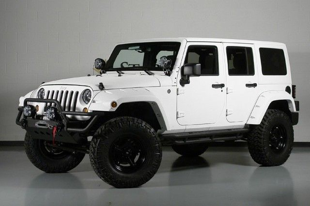 2013 Jeep Wrangler Unlimited (24S pkg) White Kevlar   i love this if only it was black