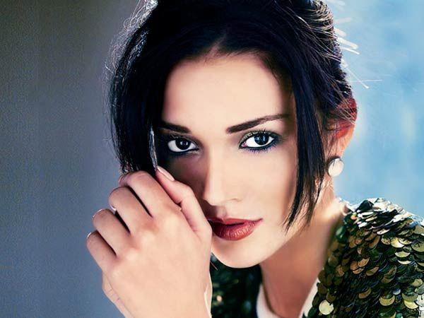 Actress Amy Jackson who had been shooting for Rajinikanth starrer 'Robot 2.0' has wrapped up the shoot.