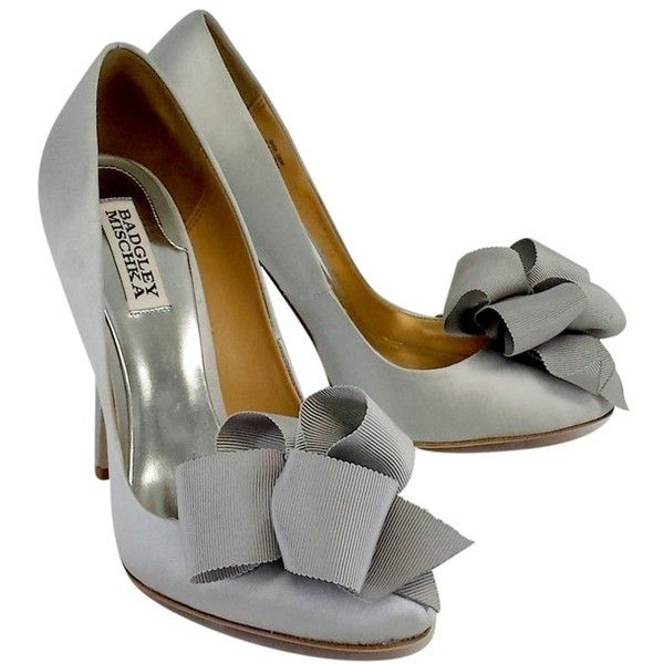 Pre-owned Badgley Mischka Silver Satin Ribbon Pumps ($89) ❤ liked on Polyvore featuring shoes, pumps, silver, silver pumps, ribbon shoes, pre owned shoes, satin shoes and high heel shoes