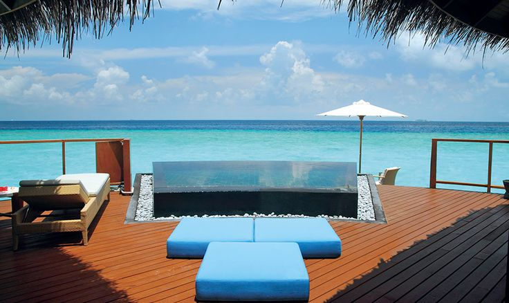 It's all about sunshine & relaxation at Constance Halaveli, Maldives.
