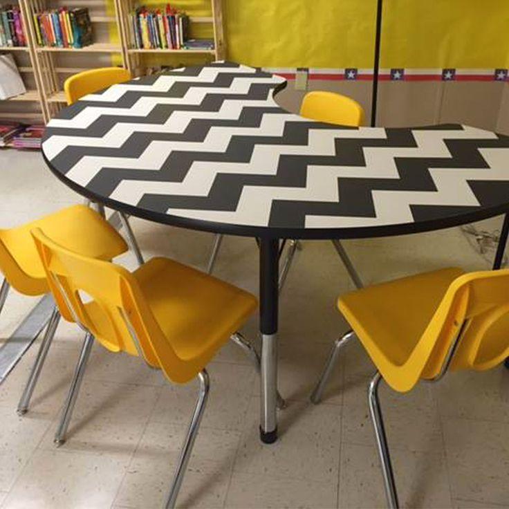 A Bright Collaborative Desk For Students In The #classroom  #AcademiaFurniture #CollaborativeLearning Idea