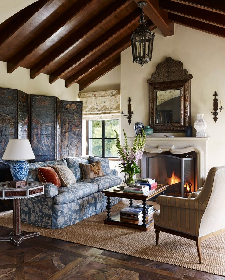 Spanish Colonial Style Lining Room