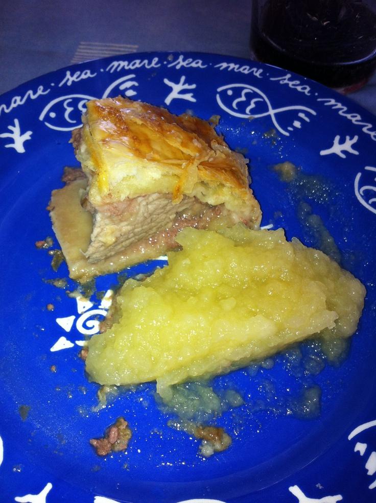 13 de marzo de 2012. Segundo plato: Solomillo de cerdo en costra de hojaldre con compota de manzana