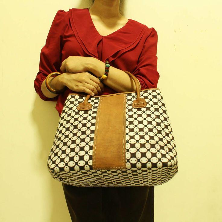 Arimbi Kawung Leather Bag