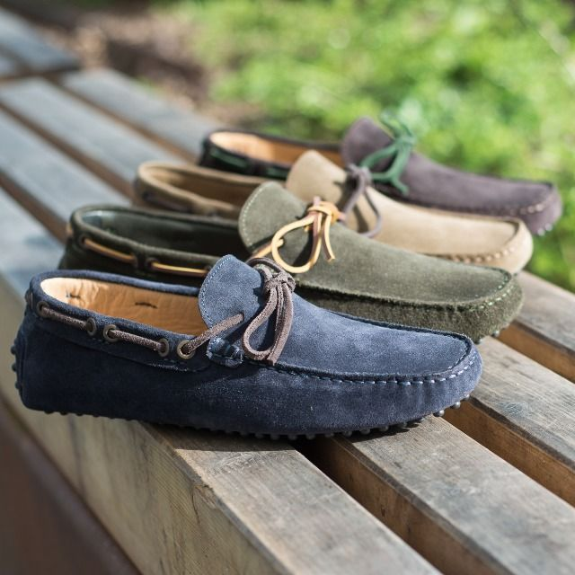 """""""Who ever said that pleasure wasn't functional?"""" Charles Eames  Moccasins in suede leather available online at www.velasca.com. Link in profile to #shop.  #velascamilano #madeinitaly #shoes #shoesoftheday #shoesph #shoestagram #shoe #fashionable #mensfashion #menswear #gentlemen #mensshoes #shoegame #style #fashion #dapper #men #shoesforsale #shoesaddict #sprezzatura #dappermen #craftsmanship #handmade #moccasins #moccasin #mocassini"""