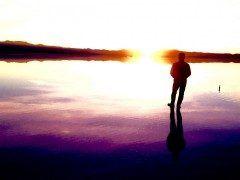 今年の3月ボリビアウユニ塩湖で撮った一枚 日が昇る所から日が沈むまでを見ていました あの時願ったことは上手くいかなかったけどこれも人生なんだ 高山病寸前まで行ったけど生きているうちにいつかまたこの地へ行こうと思う  #ボリビア #ウユニ塩湖 #お気に入りの一枚 #絶景 #日の出から日の入り #人生の旅 tags[海外]