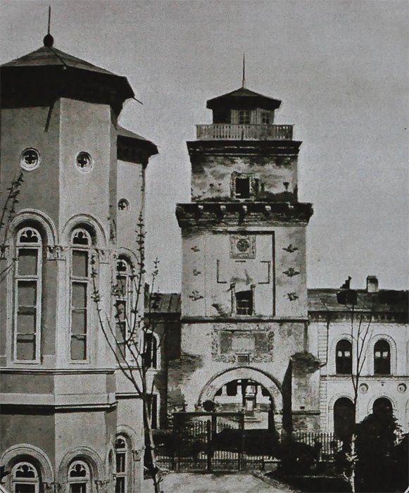 """Turnul Colței, demolat in 1888. Sursa: """"Bucureștii lui Carol I"""", Editura Biblioteca Bucurestilor, 2006."""