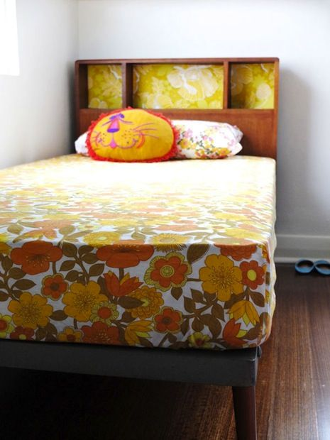 How-To: Sew a Fitted Sheet #sewing #sheets #bedding - good to know in making just the bottom of the top sheet fit the mattress!