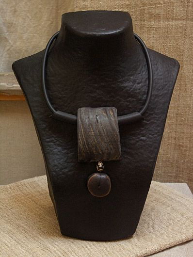 COLLIER ETHNIQUE EN CORNE DE BUFFLE