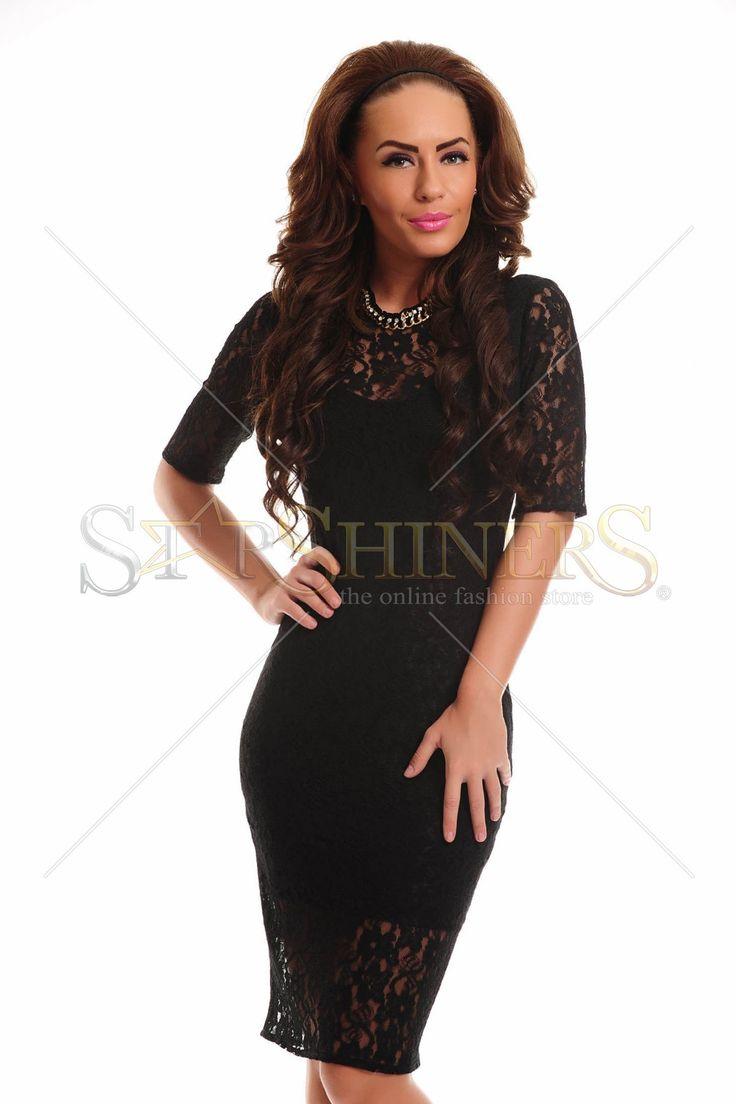 Rochie PrettyGirl din dantela cu maneci trei-sferturi ideala pentru un look clasic.