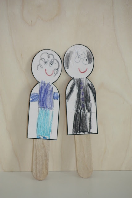 like a pretty petunia: Family Popsicle Stick Puppets
