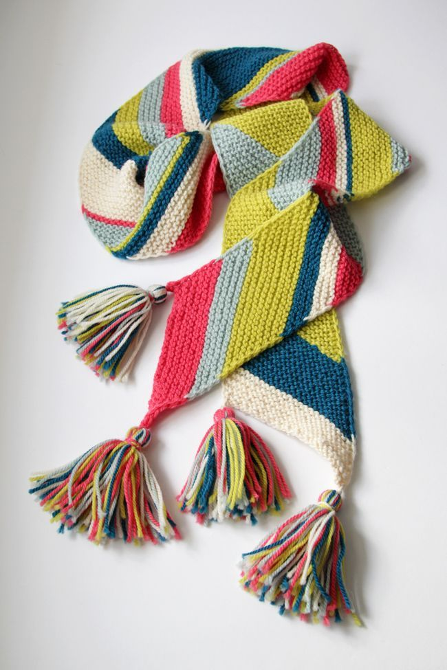 The Big Old Bias Knit Scarf is a free knitting pat…