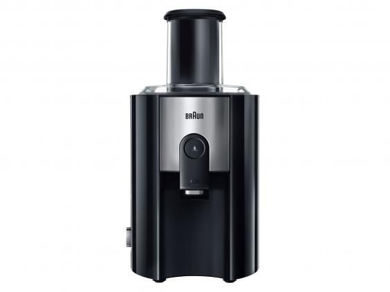 Juicer prices vary hugely, with some for under £50, whilst others will set you back over £350. So what's the difference? And do you need to splash out to get a decent one?  Not necessarily, as our round-up shows. The cheapest juicer in our roundup costs just £30, yet it extracts a lot of high quality juice from both fruit and veg.