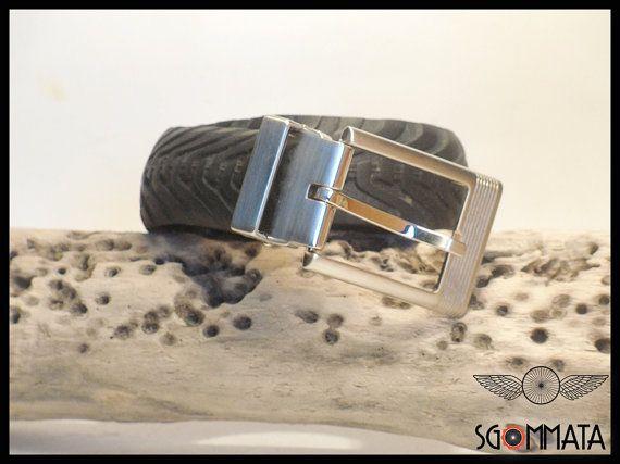 Cintura fatta a mano  con copertone di bicicletta //  elegante fibbia color argento spazzolato // made in italy // idea regalo //  art.032