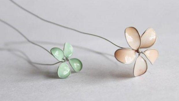 Fai da te: romantici fiori in fil di ferro colorati con lo smalto per unghie