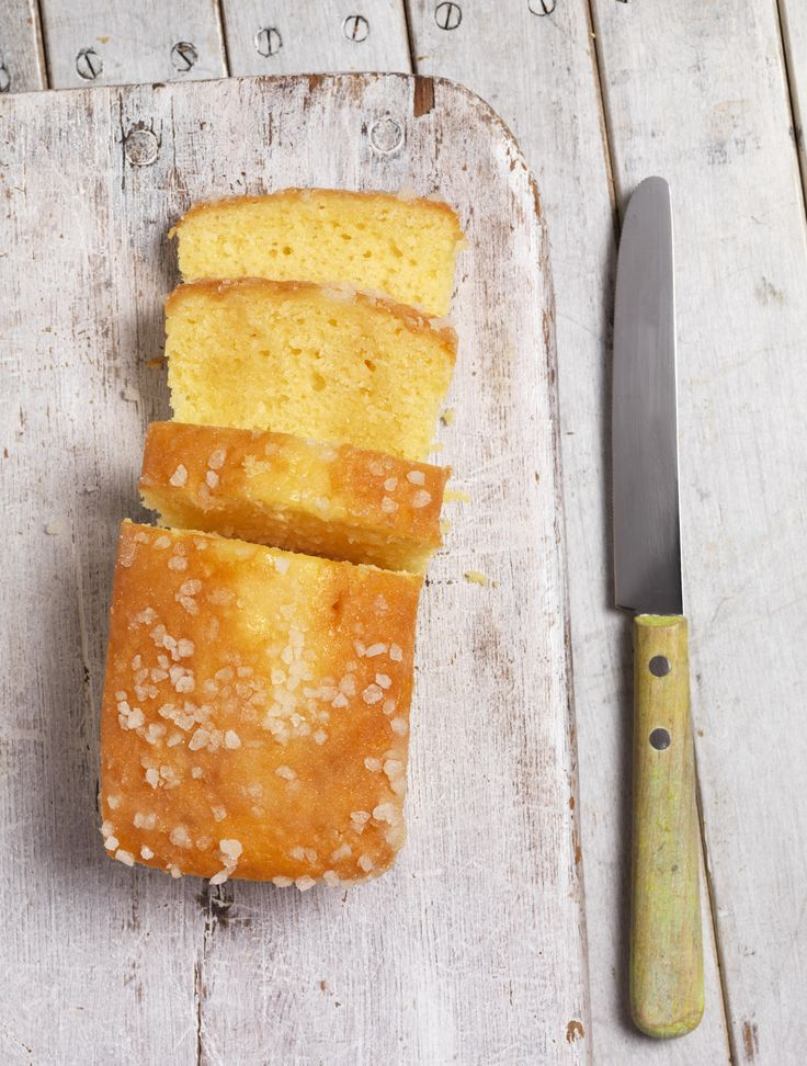 Simply the easiest and the best lemon drizzle cake