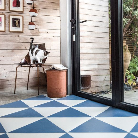 Versatile Mid Blue Rubber Flooring That Works With Dark And Light Colours