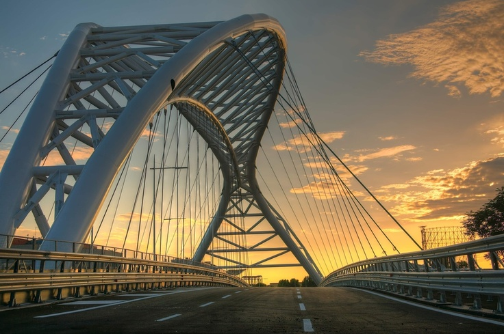 The bridge of the Science is a new bridge built at Garbatella (Roma) that joins circonvallazione ostiense with via ostiense. The architecture is the same of the bridge of the music (only for pedestrians) but allows the passage of cars, bikes and pedestrians.