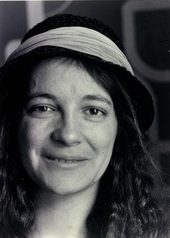 Maria-Mercê Marçal (1952-1998) http://www.fmmm.cat/ http://www.poesiacatalana.com/marsal.html  http://absysnet.bbtk.ull.es/cgi-bin/abnetopac?TITN=107211