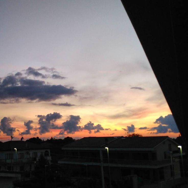 Buongiorno!  #igers #igersoftheday #beautiful #amazing #instalike #instalike #photooftheday #picoftheday #photographer #photo #sunrise #sunrise_sunsets_aroundworld #sunrise_sunsets_aroundtheworld