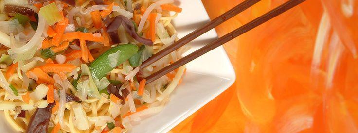 Sote chinezesc cu taitei si legume