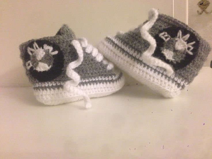 BMW baby shoes crochet