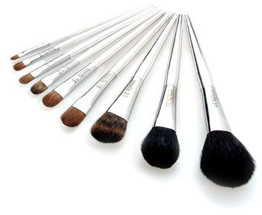 Engineered brushes, and the best make-up in the world. Come at me Issada!